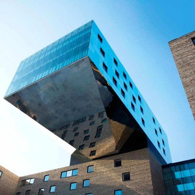Nhow hotel berlin contemporary architecture berlin for Design hotel berlino