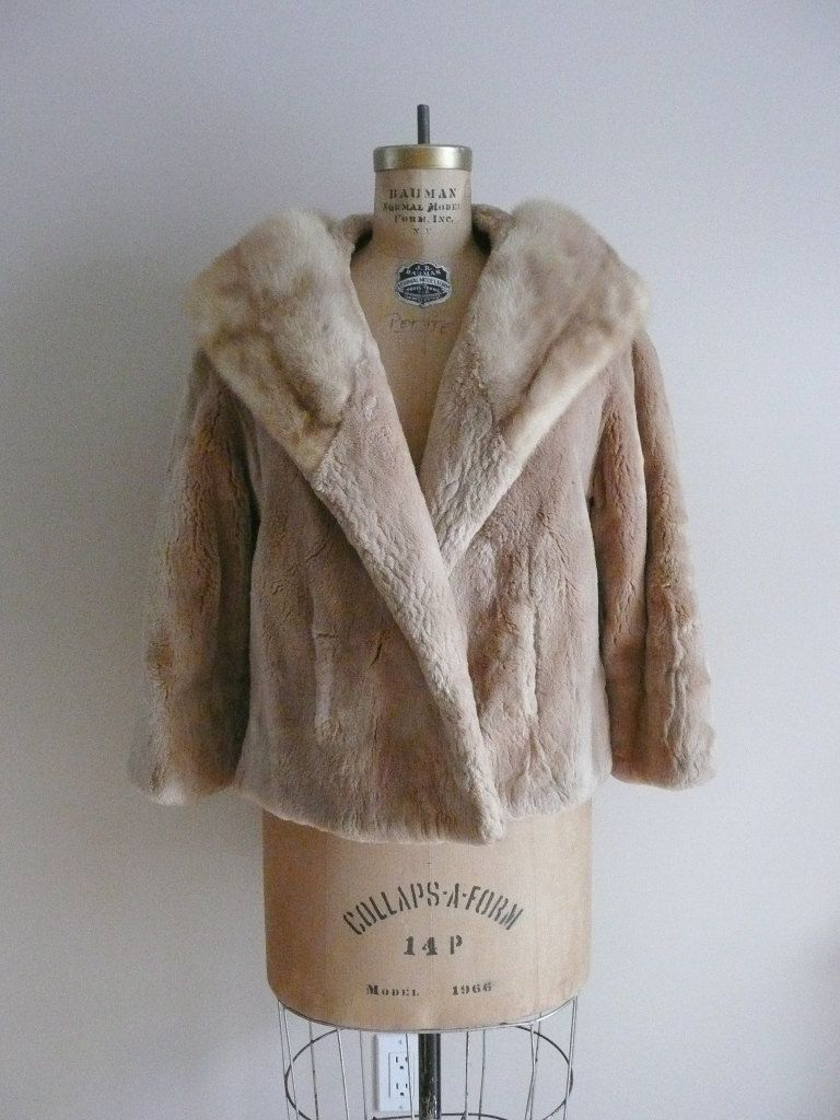 Vintage 1950s Annis Furs Mink And Sheared Beaver Fur Coat Etsy Beaver Fur Coat Fur Coat Vintage 1950s [ 1024 x 768 Pixel ]