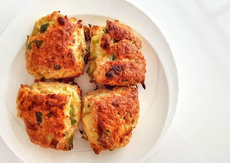 Recipe Tasty Scallion Cheese Scones In 2020 Recipes Cheese Scones Yeast Free Breads