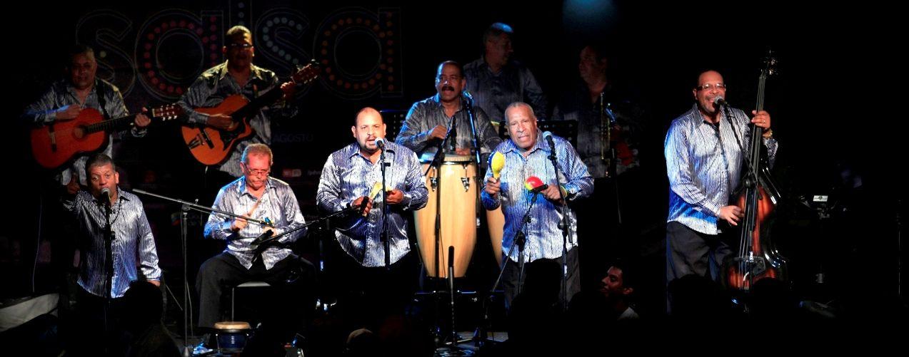 Sonero Clásico del Caribe, con su mezcla de son montuno y guaguancó donde la frescura y la naturalidad de sus integrantes hacen la diferencia, interpretará los grandes éxitos que durante cuatro décadas han hecho bailar a gente de todo el mundo.