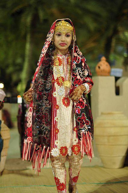 omani woman in traditional dress  arab girls fashion women