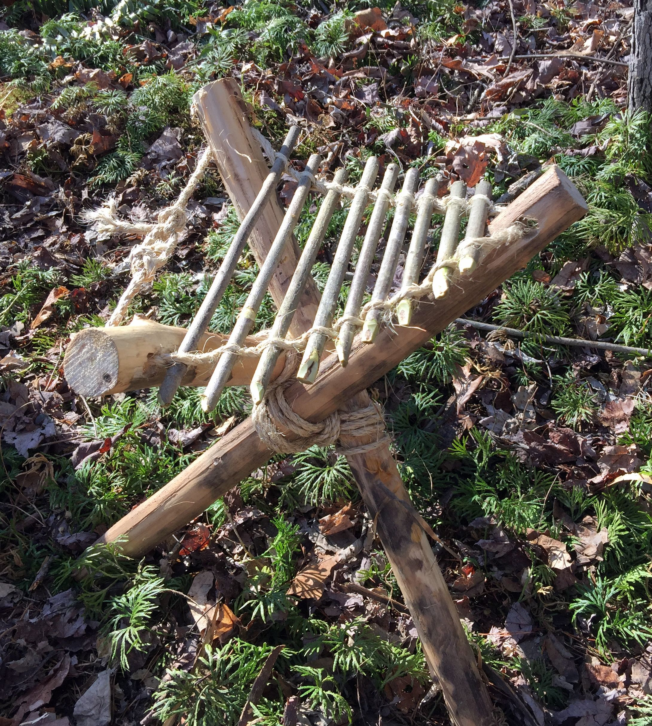 Tripod with stick seat Bushcraft camping, Survival