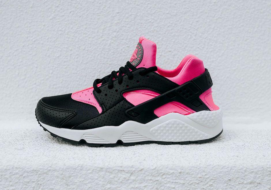 Nike Black & Pink Contrast Sneakers