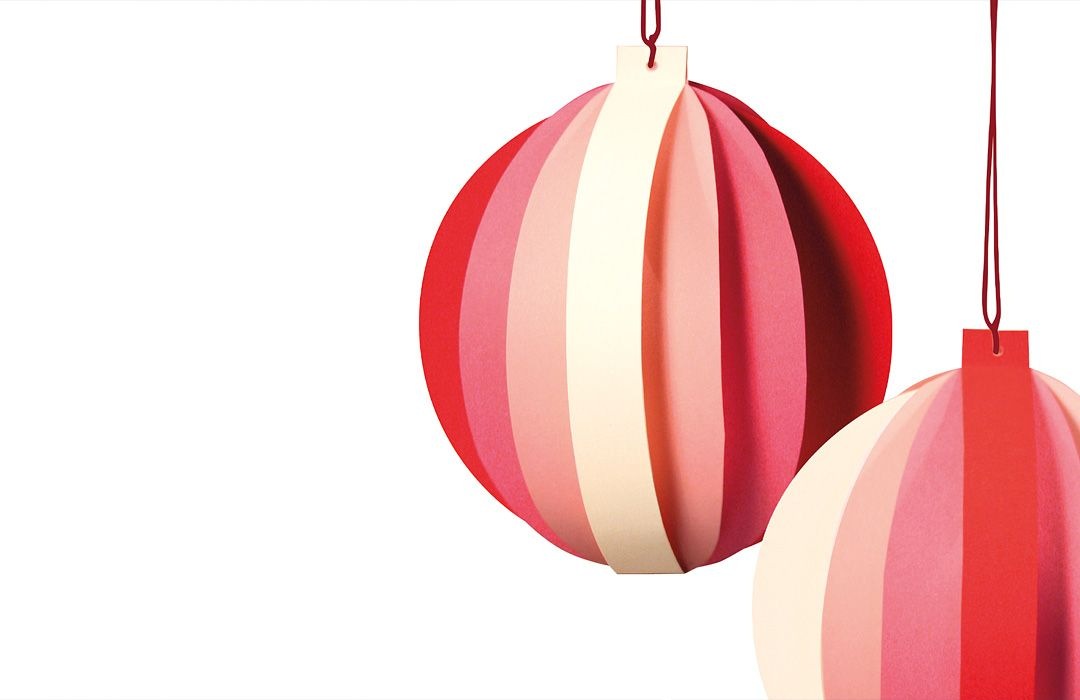 Bentzen paper bauble decorations designed by Josefine Bentzen for Livingly. Two 10cm paper-crafted decorations in red. A perfect addition to your christmas tree, or to adorn your space year-round. The Bentzen baubles bring inspiring and original creative Danish artistry to the home. Dimensions 10cmh