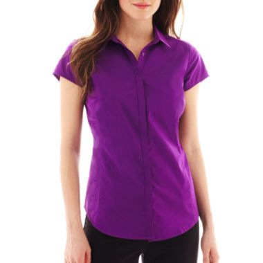 """<p>Seamed for a great fit, our short-sleeve woven shirt will see you through your work day in classic style.</p><div style=""""page-break-after: always;""""><span style=""""display: none;"""">"""