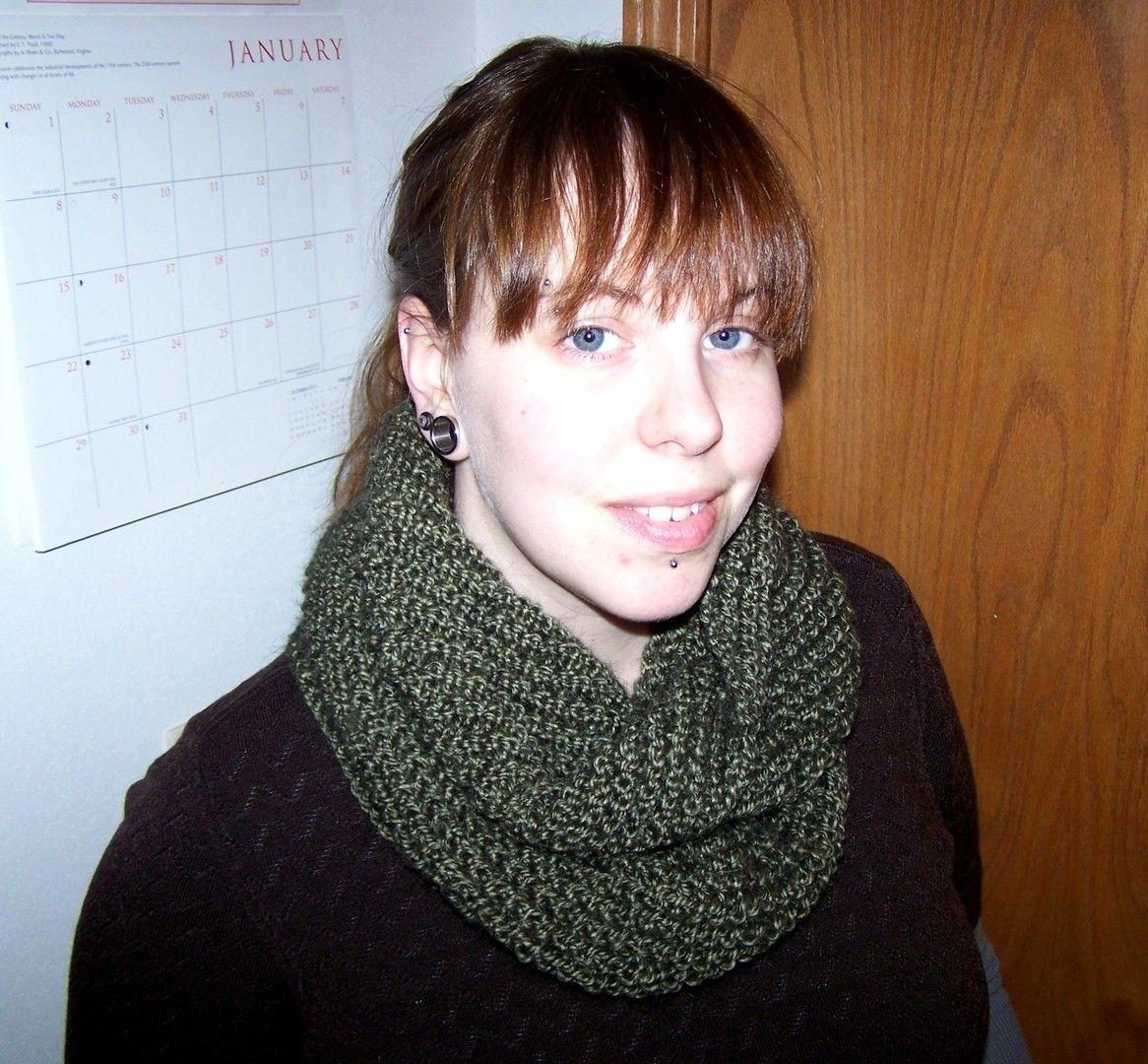 Transverse Cowl Knitting Pattern | Knitting patterns, Circular ...