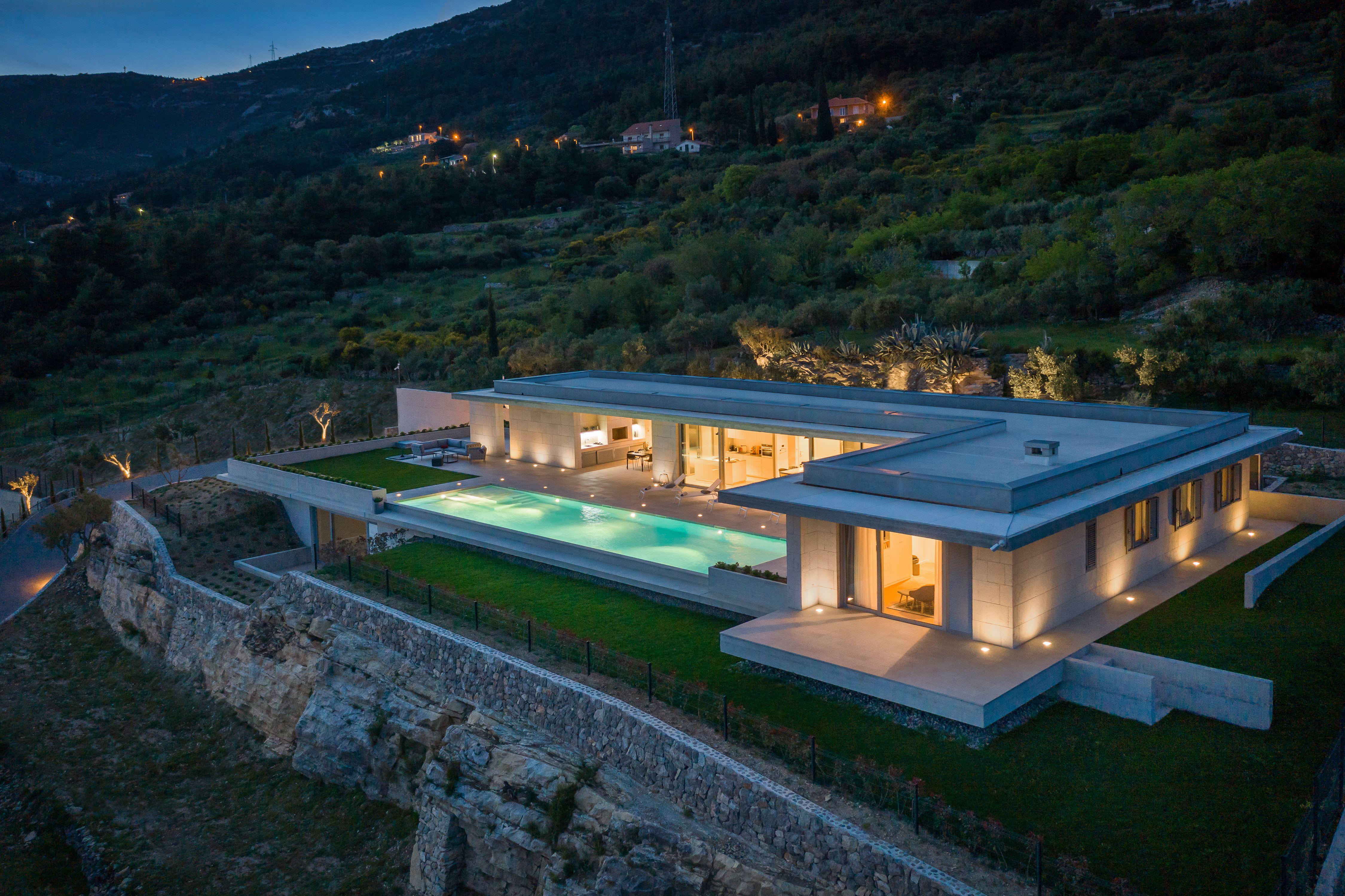 Villa Radun Home with Grand Heated Pool in Split Riviera