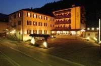 HOTEL CARLONE ***  Breguzzo (TN): http://www.hotel-economici-daydreams.it/ricerca-hotel-europa/Italia/Trentino-Alto-Adige/Breguzzo/HOTEL-CARLONE