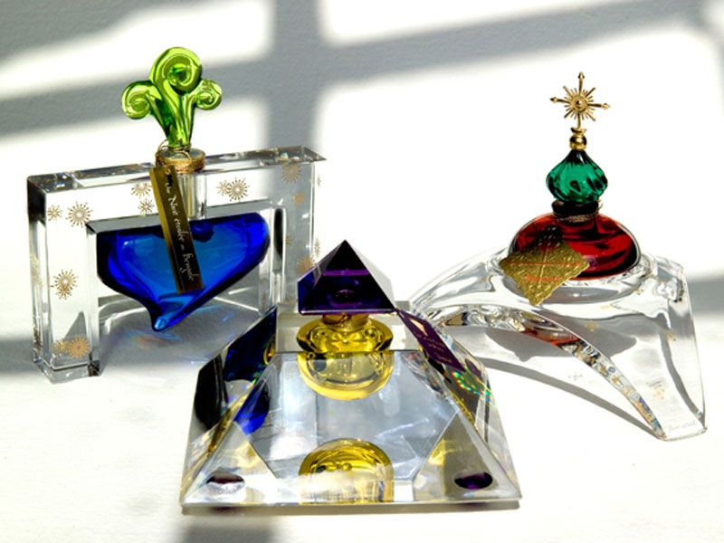 Image result for Les Larmes Sacrees de Thebes    perfumes