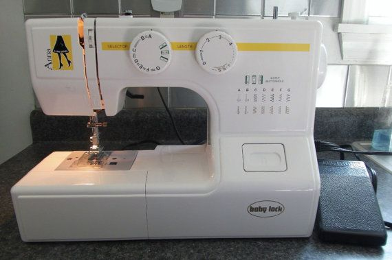 NEW Baby Lock Anna Sewing Machine With Accessories Quilts Simple Babylock Anna Sewing Machine