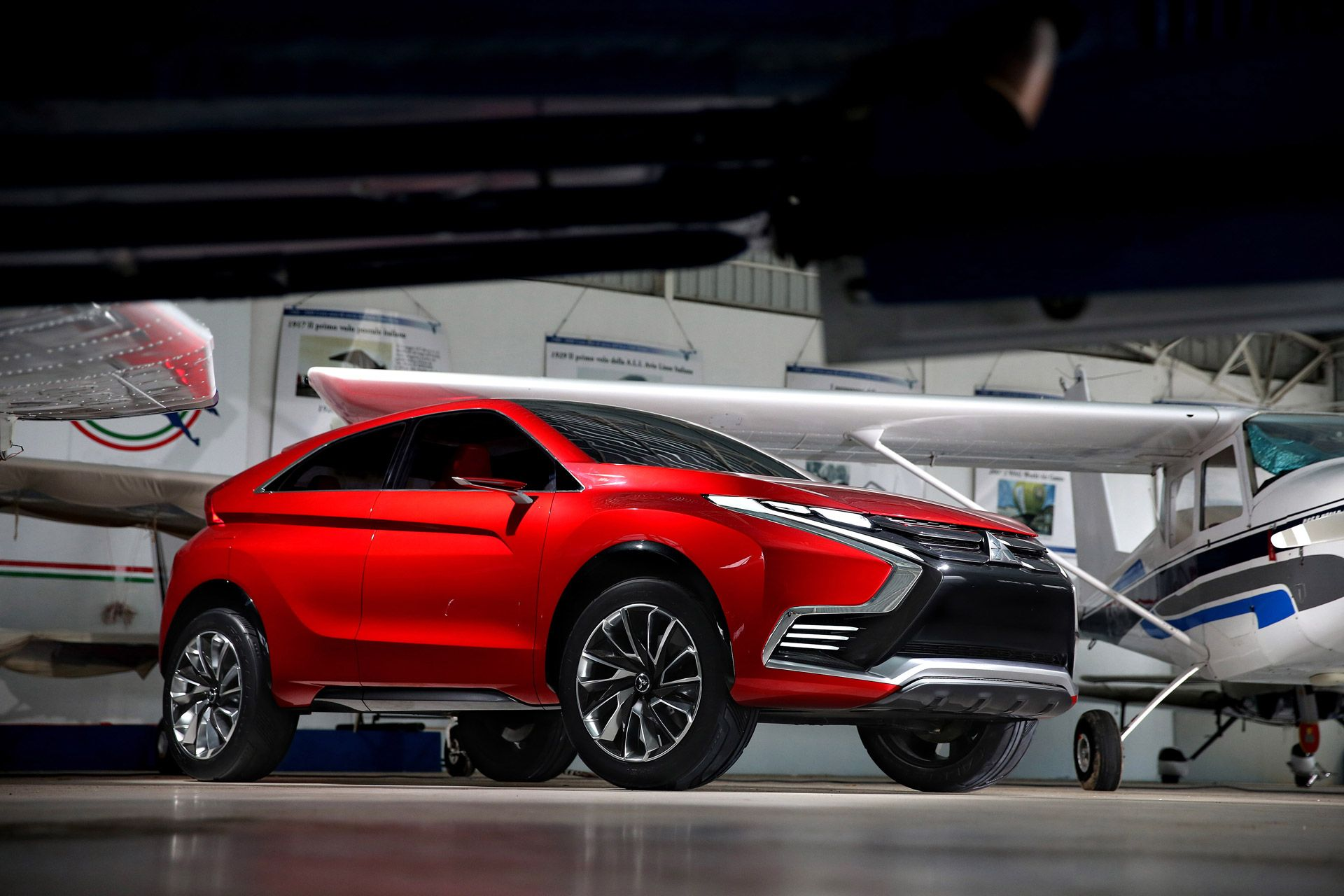 Mitsubishi Previews New Outlander Sport With GenevaBound