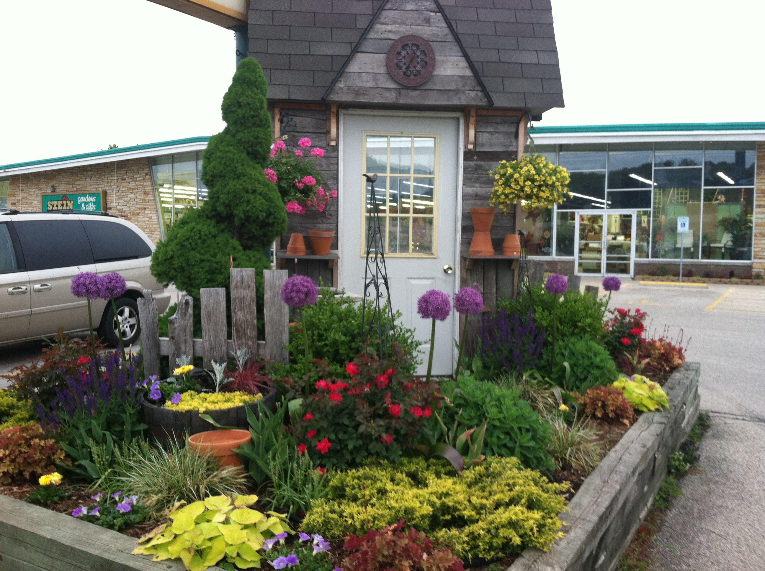 Entrance Door Display Spring Garden Center Displays Garden