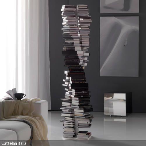 Moderner Bücherturm im Wohnbereich Italia, Bücherregale und - moderne skulpturen wohnzimmer