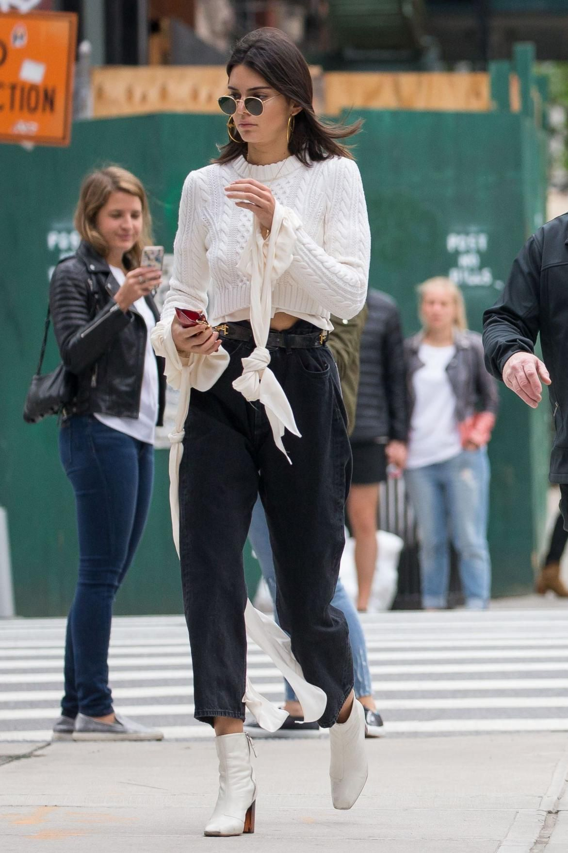05398647e6f Kendall Jenner wearing Kurt Geiger Strut Boots
