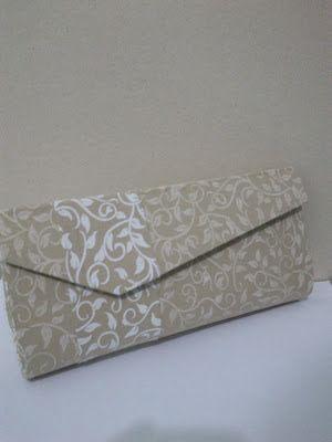 a5d5ea94a Cartonagem - Bolsa Carteira de Festa (bege e branco)   pochettes ...