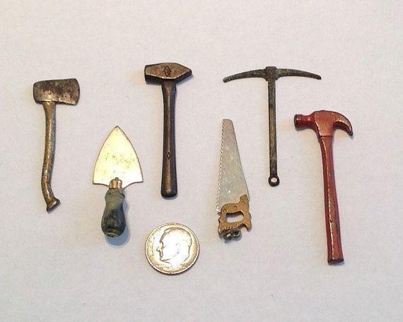 Dollhouse Miniature Tool Carpenter/'s Saw Closed Handle