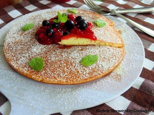 Omlet biszkoptowy z frużeliną porzeczkową | Kuchnia Starowiejskiej Gospodyni