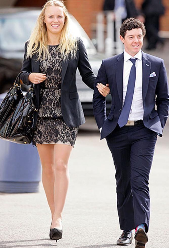Caroline Wozniacki Seems To Be Targetting Rory Mcilroy S Short Height Caroline Wozniacki Rory Mcilroy Rory Mcllroy