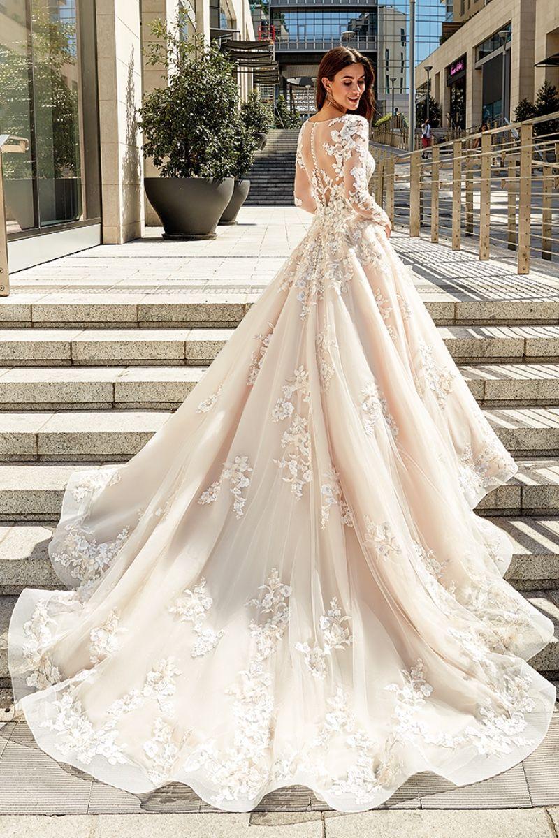 20+ Brianna wedding dress information