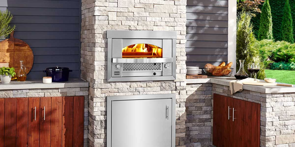 Built In Artisan Fire Pizza Oven By Kalamazoo Outdoor Kitchen