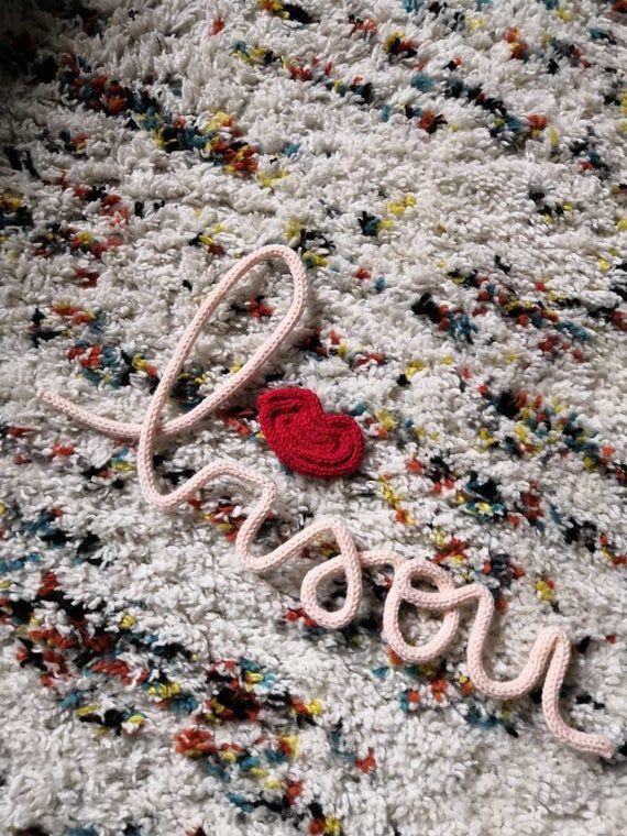 Bisou tout doux- mot en laine décoratif – décoration murale