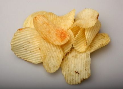 Ruffles potato chips [color & texture reference].