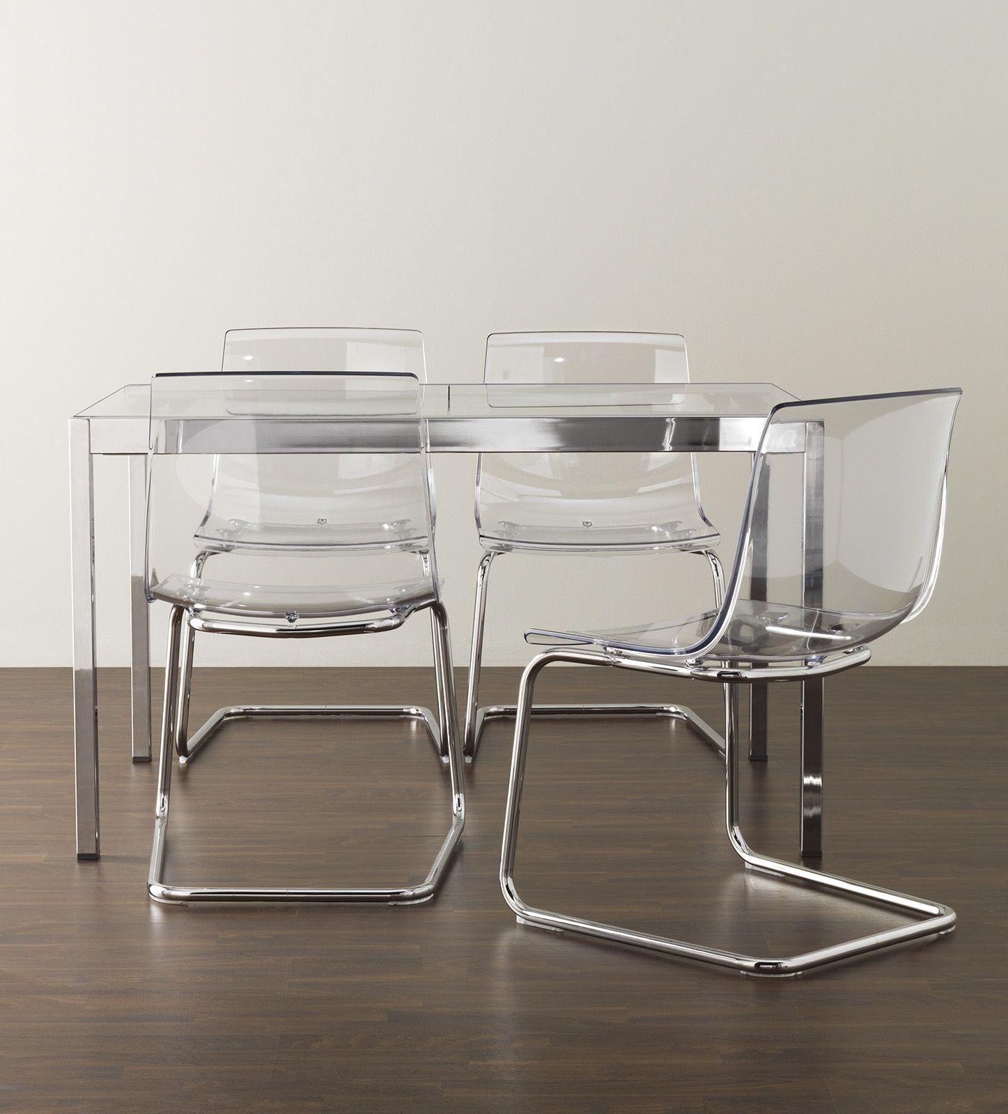 In acciaio cromato e policarbonato la sedia Tobias di Ikea ¨ disponibile anche in diversi