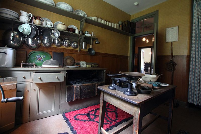 Miss Towardu0027s Kitchen   Glasgow Tenement House Kitchen © National Trust For  Scotland