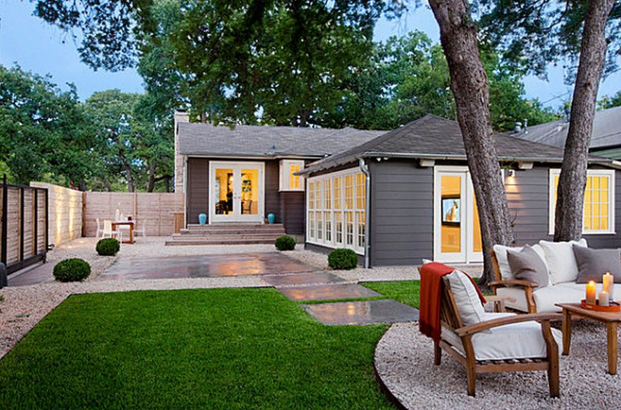 Pin By Maribeth Uralrith On Outdoors Modern Landscaping Backyard Design Backyard Split level house backyard ideas
