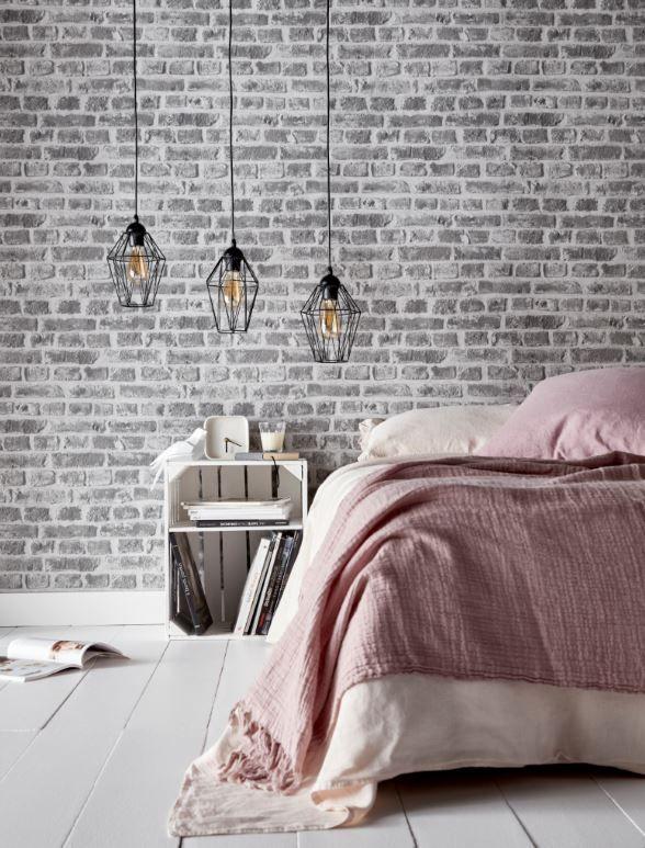 Ambiance loft industriel pour cette chambre revêtus de papier peint ...