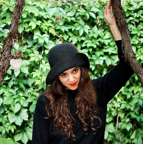 Women grey black hat / felt cloche vintage style handmade hat / gatsby style women hat Winter hat