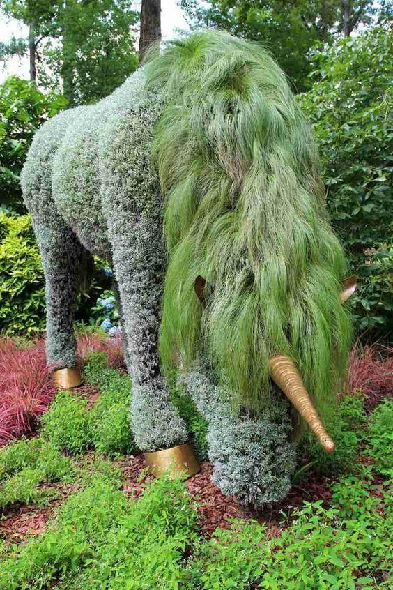 garten skulpturen zum selbermachen - ein einhorn aus pflanzen,