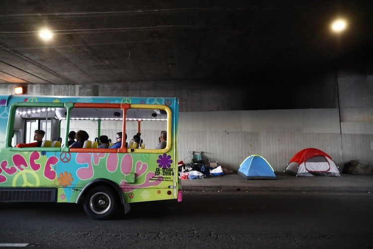 Los Angeles' homeless crisis too many tents, too few beds