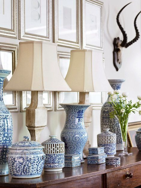 The classic combination of decorating with blue & white is a design favorite, especially for spring & summer! #blueandwhitedecor