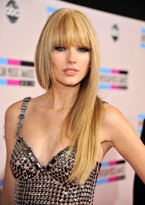 love her hair like this! I'm starting to miss being a blonde :(