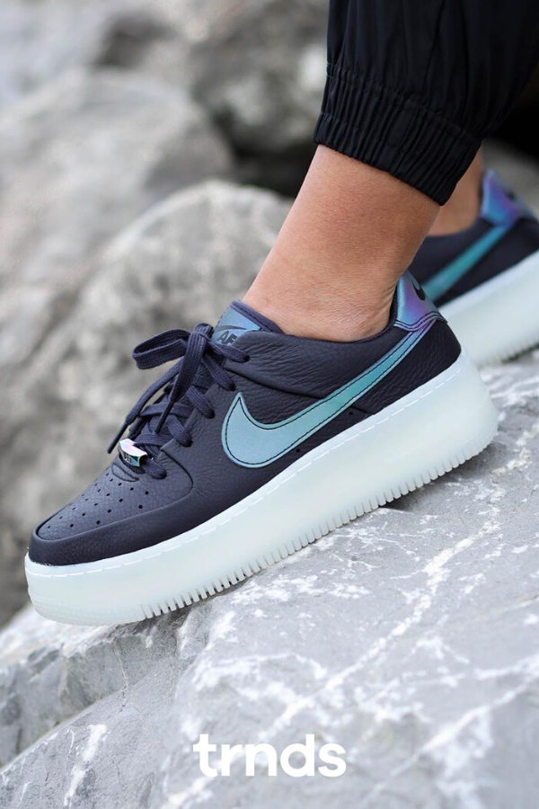 nike air force 1 sage low lx