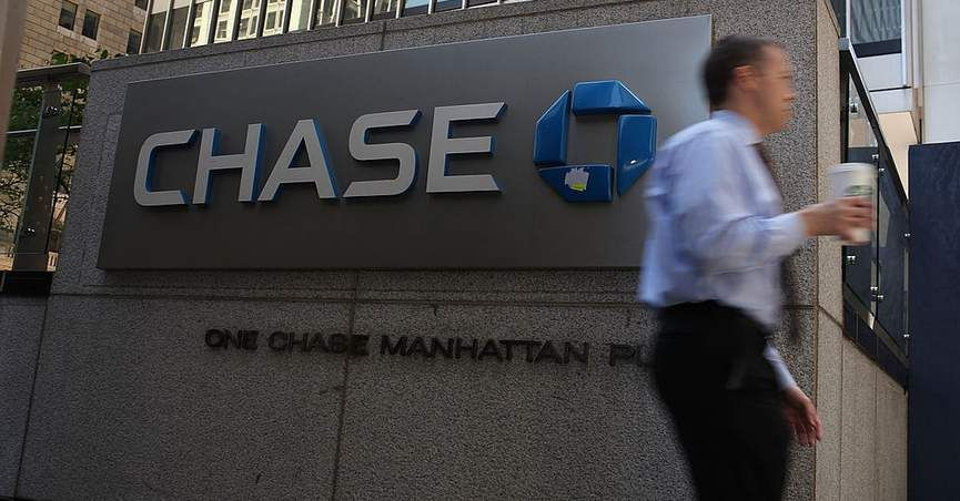 Did chase bank delete a tweet taunting people who ask why