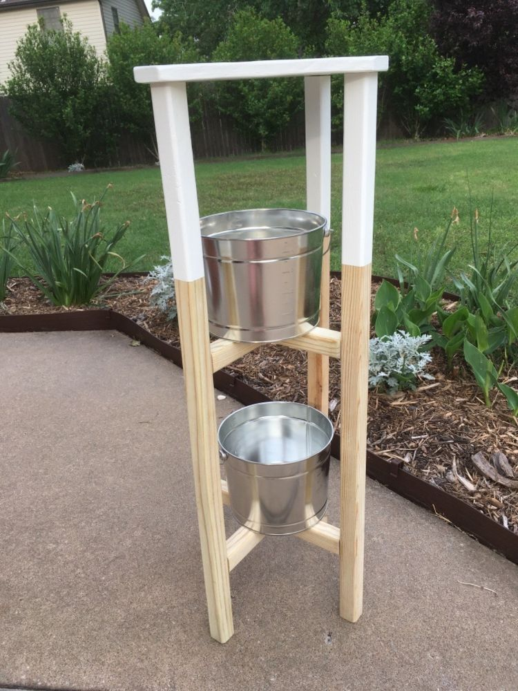 Best How To Build A Simple Plant Stand With Removable Table Top 640 x 480