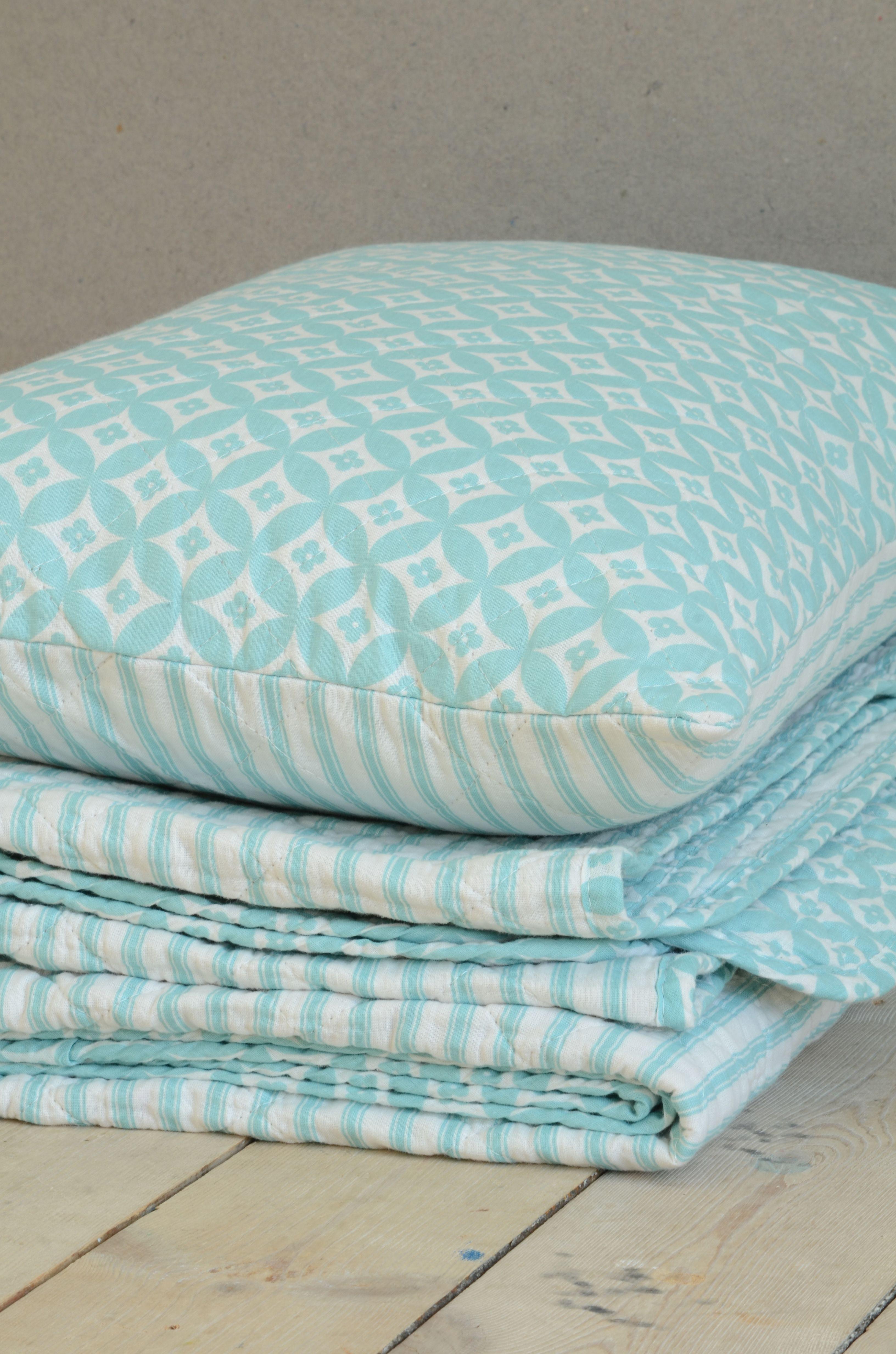 Kissen und Tagesdecke mit Muster von Ib Laursen. | MUSTERhaft ...