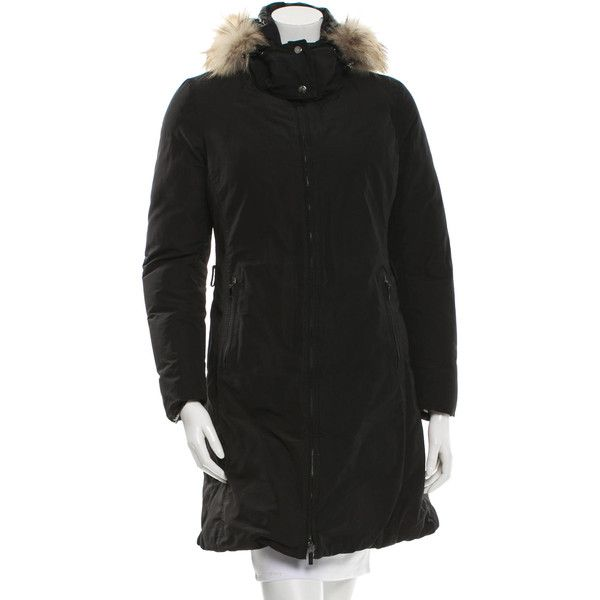 Moncler Poitiers Coat (615 CHF) ❤ liked on Polyvore featuring outerwear, coats, black, moncler, long sleeve coat, puffer coat, puffy coat and moncler coats