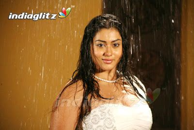 namitha-show-his-ass