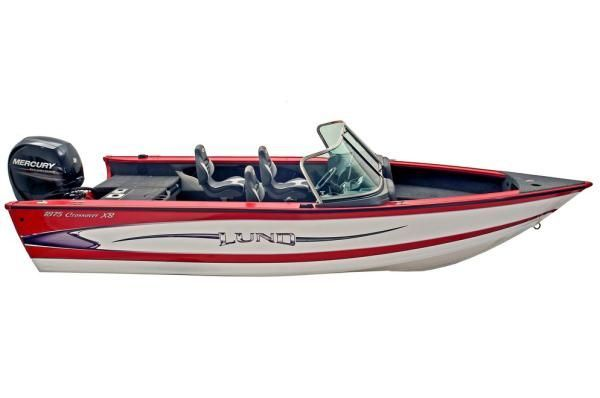 Barefoot International booms are now being used to teach children and adults alike to kneeboard, combo ski, wakeboard, slalom, and barefoot. Learn barefoot skiing in the best possible way without falling on your 2012 Lund Boat Company 1875 Crossover XS.