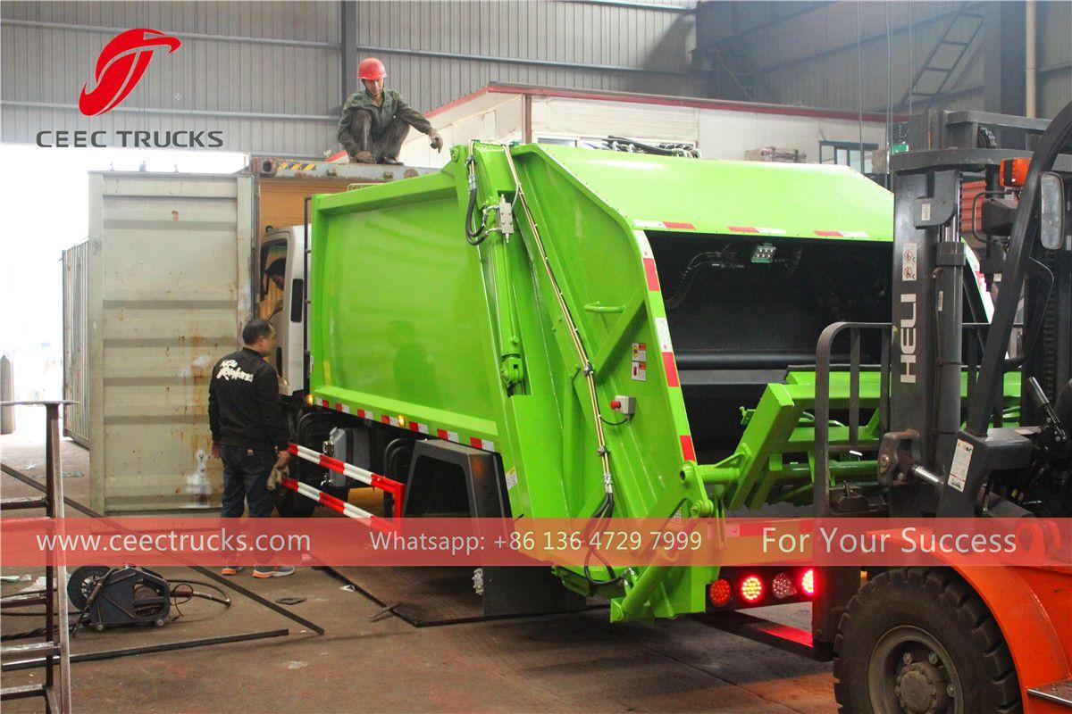 Premium China manufacturer of garbage compactor truck