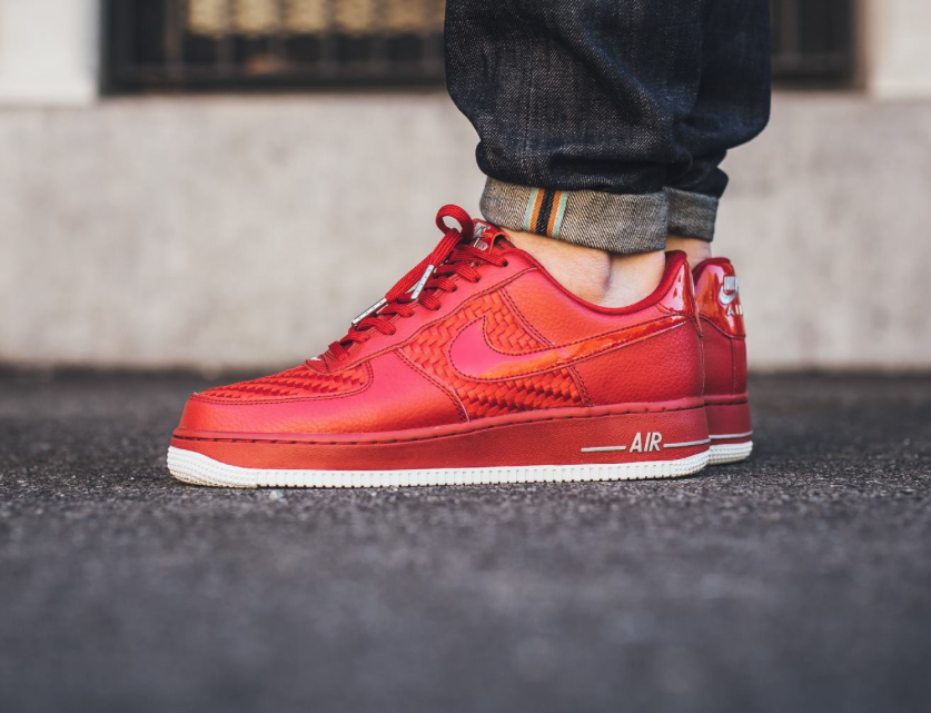 Nike Air Force 1 Faible Université Rouge / Blanc / Rouge / Noir Brillant