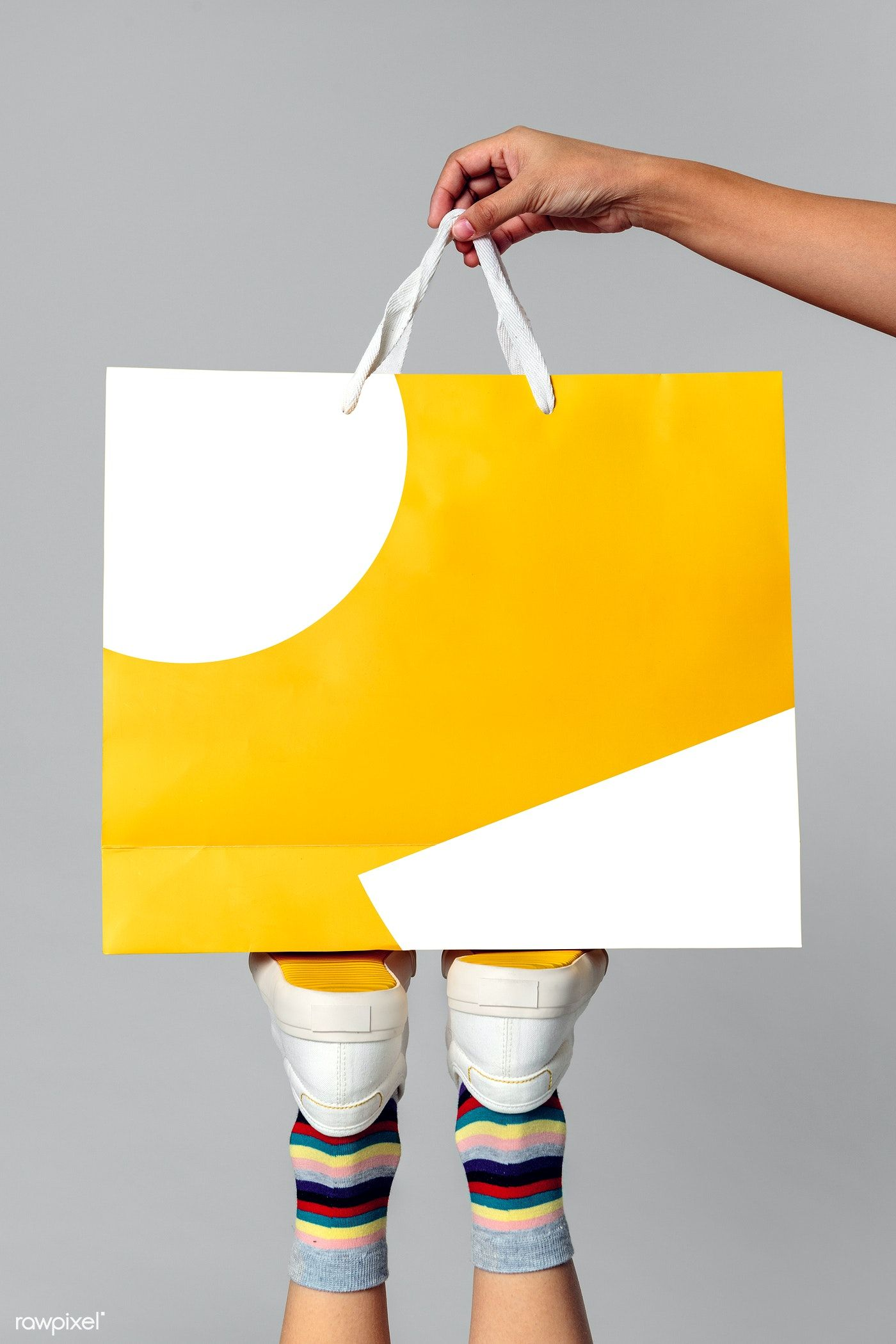 Download Download Premium Psd Of Woman Carrying A Shopping Bag Mockup 2287511 In 2020 Bag Mockup Bags Shopping Bag