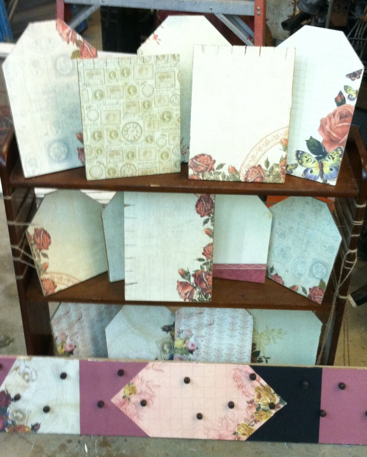 Scrapbook paper display - Made Jewelry Displays Today For My Booth Recycled Laminate Flooring And Scrapbook Paper Scraps What Do You Think