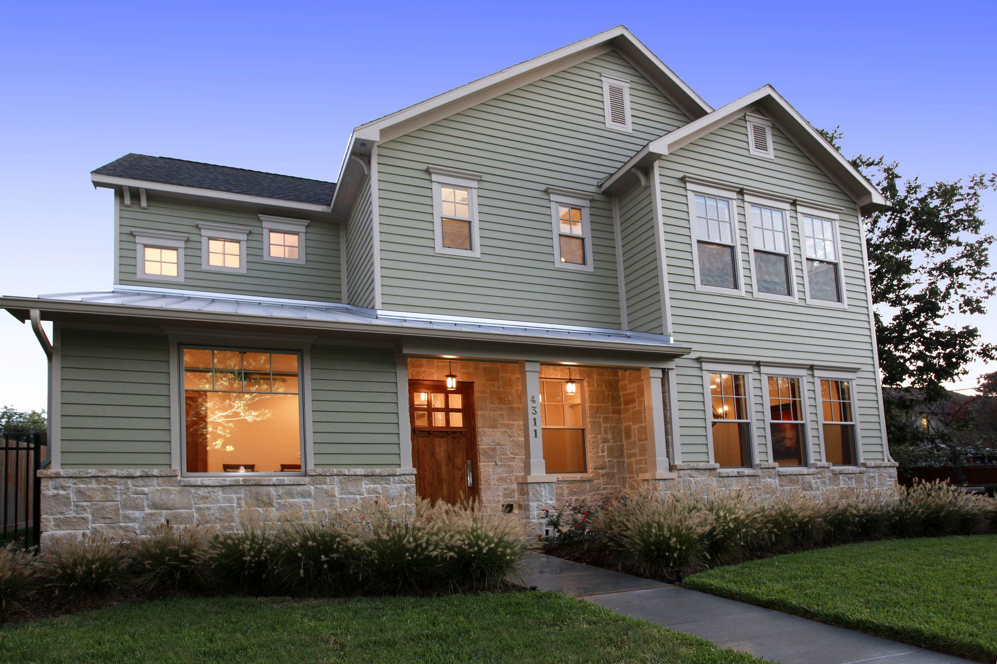 Southern Living Home Soft Green Hardieplank House Siding Options Siding Options Fiber Cement Siding Cost