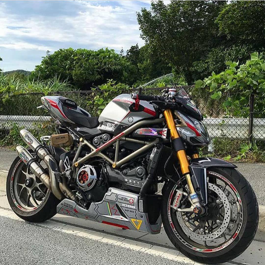 Ducati Street Fighter Tag Your Friends Follow Casa Riders 2wheelslovers Moto Sport Bikes Bike Camping Ducati
