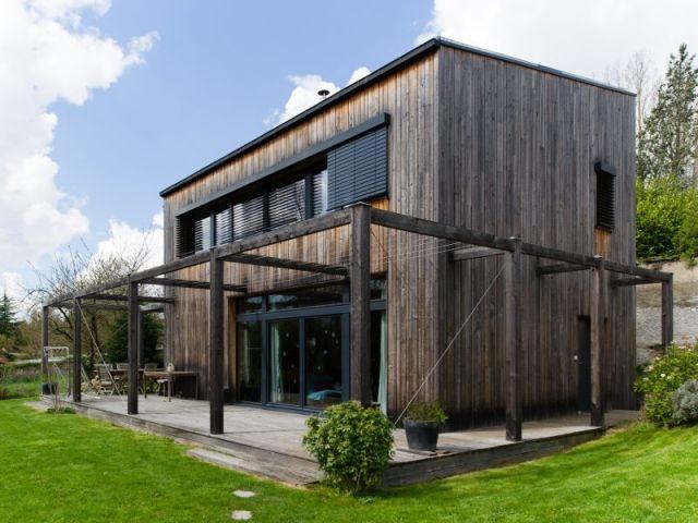 Une maison passive en bois gris au cœur des Yvelines Passive house
