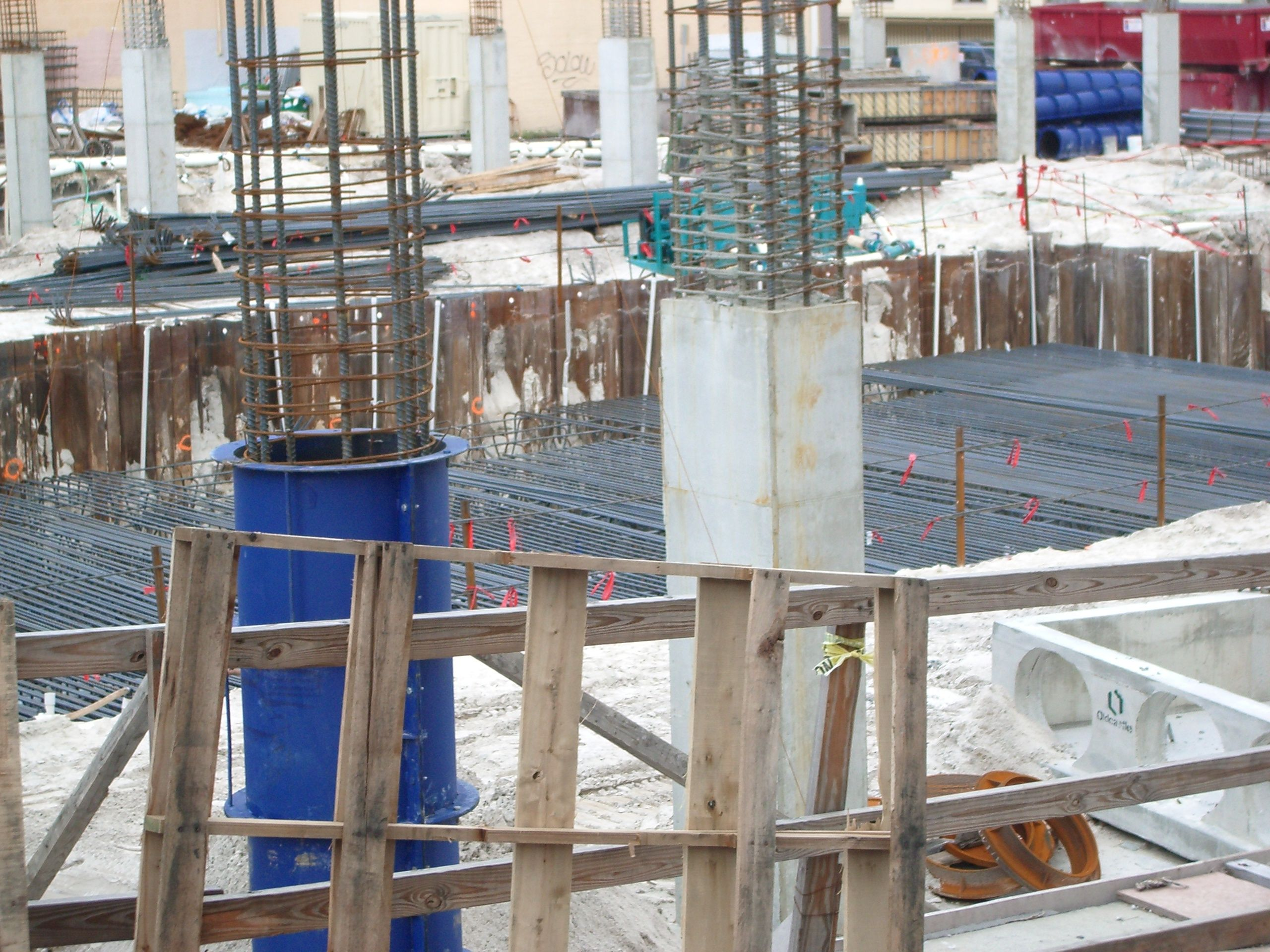 Round concrete columns under construction pinterest for Icf construction pros and cons